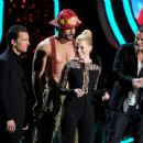 The 2012 MTV Movie Awards - Show - 454 x 342