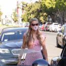 Nicky Hilton and Paris Hilton – Out on Melrose Avenue in Los Angeles