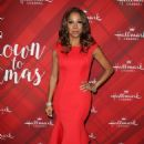Holly Robinson Peete – 'Christmas at Holly Lodge' Screening in LA - 454 x 676