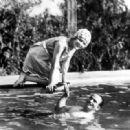 Mary Pickford - 454 x 319
