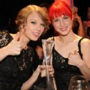 "Taylor Swift ""CMT Artists Of The Year"" At Liberty Hall In Franklin, Tennessee (30.11.2010)"