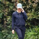 Jennifer Garner – morning walk through her Brentwood neighborhood