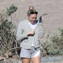 Miley Cyrus at the beach in Malibu - 454 x 521