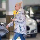 Gwen Stefani Running Errands In Los Angeles November 21, 2016