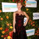 Claire Danes – Hudson River Park Gala in New York - 454 x 659