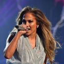Jennifer Lopez – Performs at 2018 American Music Awards in LA
