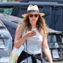 Elizabeth Olsen – Shopping at Whole Foods in Los Angeles