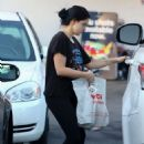 Ariel Winter – Shopping at CVS Pharmacy in Studio City - 454 x 682