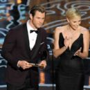 Chris Hemsworth and Charlize Theron At The 86th Annual Academy Awards (2014) - 454 x 399