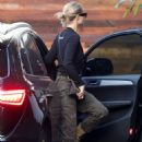 Rosie Huntington Whiteley – Arriving home in Beverly Hills
