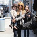 Rachel Zoe: have lunch at the Le Pain Quotidien in Beverly Hills