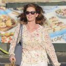 Rebecca Mader – Shopping in Los Angeles