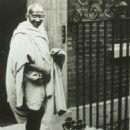 Mahatma Gandhi - 454 x 579