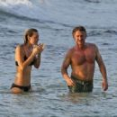 Sean Penn and Leila George  -  Wallpaper - 454 x 318