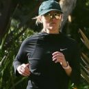 Reese Witherspoon – Jog candids in Santa Monica