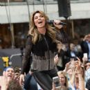 Shania Twain – Performs on NBC Today Show Summer Concert Series in NY - 454 x 504
