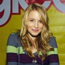 Dianna Agron - The Cast Of Glee Signing Copies Of 'Glee: The Musical Vol. 1' At Roosevelt Field Mall On November 2, 2009 In Garden City, New York