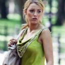 Blake Lively - Gossip Girl Filming Set In NYC 2008-07-16