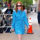 Julianne Moore – Arrives at Kelly And Ryan show in New York City - 454 x 686