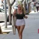 Courtney Stodden in Shorts Out in Beverly Hills - 454 x 614