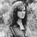 Barbara Hershey - 454 x 568