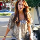 Jennifer Love Hewitt Is Casually Chic