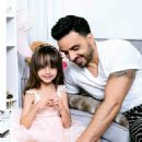Luis Fonsi and Agueda Lopez - Hola! Magazine Pictorial [United States] (February 2018) - 454 x 618