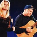 Garth Brooks and Trisha Yearwood - 200 x 225
