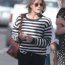Robin Wright – Walk with her friends in West Hollywood - 454 x 968