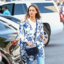Jessica Alba – Out for lunch in Beverly Hills - 454 x 681