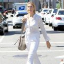 Kelly Rutherford was seen shopping in Beverly Hills. California on March 24, 2017 - 435 x 600