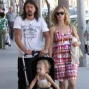 Dave Grohl and his wife Jordyn Blum take their daughter Violet out shopping in Beverly Hills - 382 x 594