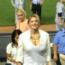 Kate Upton At The Yankees Vs Tigers Game In New York