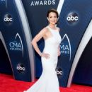 Kimberly Williams-Paisley – 52nd Annual CMA Awards in Nashville - 454 x 654