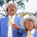 Smokey and the Bandit 1977 Film Comedy Hit Starring Burt Reynolds - 454 x 245