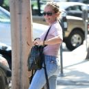Kendra Wilkinson in Jeans out in West Hollywood - 454 x 752