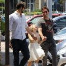 Peter Facinelli Lunches With Daughter and Dave Abrams - June 15, 2016 - 431 x 574