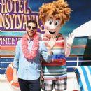 Hotel Transylvania 3: Summer Vacation (2018) - 454 x 705