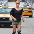 Michelle Hunziker - Rollerblading On Miami's South Beach, 2010-04-10