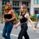 Sabrina Carpenter – Out in the Flatiron District in NYC