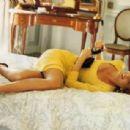 Claudia Schiffer - Vogue Magazine Pictorial [Germany] (January 1991) - 454 x 308