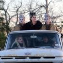 Emma Stone – On the set of 'Maniac' in Kerhonkson - 454 x 526