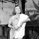 Bette Davis - 454 x 587