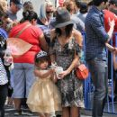 Jenna Dewan-Tatum is seen out with her daughter Everly Tatum at a farmer's market in Studio City, California on March 26, 2017 - 454 x 596