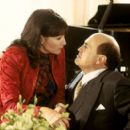 Nora Dunn and Danny DeVito in MGM's What's The Worst That Could Happen - 2001