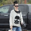 Krysten Ritter – Leaves the Access Specialty Animal Hospital in Culver City - 454 x 638