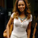 Beyonce Knowles Leaves Radio 1 In London, August 15 2006
