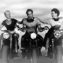 Marlon Brando, Peggy Maley and Yvonne Doughty - 454 x 355