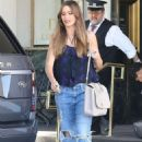Sofia Vergara in Jeans – Shopping at Saks Fifth Ave in Beverly Hills - 454 x 681
