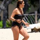 Mariska Hargitay - On The Beach In Hawaii - September 4, 2010